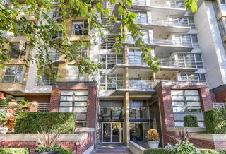 "Photo 2: 311 2137 W 10TH Avenue in Vancouver: Kitsilano Condo for sale in ""The ""I"""" (Vancouver West)  : MLS®# R2116196"