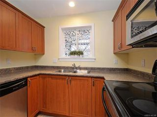 Photo 9: 106 655 Goldstream Ave in VICTORIA: La Fairway Condo Apartment for sale (Langford)  : MLS®# 747051