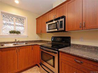 Photo 11: 106 655 Goldstream Ave in VICTORIA: La Fairway Condo Apartment for sale (Langford)  : MLS®# 747051