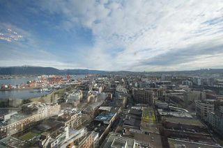 """Photo 1: 2704 108 W CORDOVA Street in Vancouver: Downtown VW Condo for sale in """"Woodwards W32"""" (Vancouver West)  : MLS®# R2133332"""