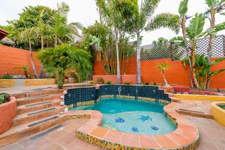 Photo 3: MISSION HILLS House for sale : 3 bedrooms : 840 W THORN ST in San Diego