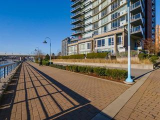 Photo 15: 907 918 COOPERAGE Way in Vancouver: Yaletown Condo for sale (Vancouver West)  : MLS®# R2165383