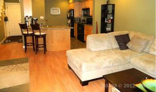 Photo 3: 2347 Bowen Road in Nanaimo: Townhouse for sale
