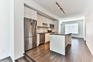 "Photo 4: 87 8130 136A Street in Surrey: Bear Creek Green Timbers Townhouse for sale in ""KINGS LANDING"" : MLS®# R2181174"