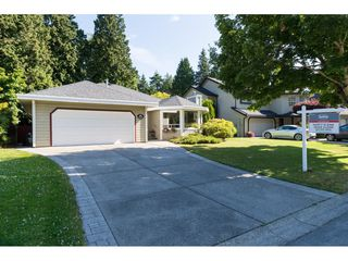 "Photo 3: 12557 24A Avenue in Surrey: Crescent Bch Ocean Pk. House for sale in ""CRESCENT HEIGHTS / OCEAN PARK"" (South Surrey White Rock)  : MLS®# R2182079"