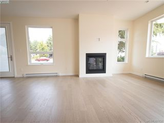 Photo 5: 492 South Joffre Street in VICTORIA: Es Saxe Point Strata Duplex Unit for sale (Esquimalt)  : MLS®# 381732