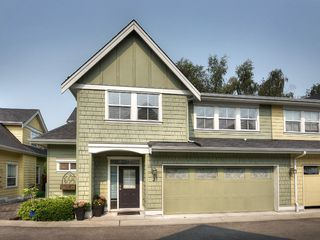 "Photo 1: 2 4887 CENTRAL Avenue in Delta: Hawthorne Townhouse for sale in ""CENTRAL PARK WEST"" (Ladner)  : MLS®# R2195811"