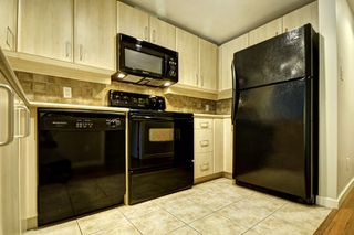 "Photo 9: 206 2226 W 12TH Avenue in Vancouver: Kitsilano Condo for sale in ""DESEO"" (Vancouver West)  : MLS®# R2204851"