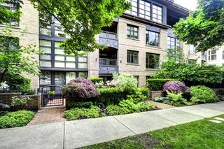 "Photo 1: 206 2226 W 12TH Avenue in Vancouver: Kitsilano Condo for sale in ""DESEO"" (Vancouver West)  : MLS®# R2204851"