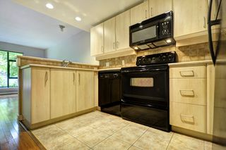 "Photo 11: 206 2226 W 12TH Avenue in Vancouver: Kitsilano Condo for sale in ""DESEO"" (Vancouver West)  : MLS®# R2204851"