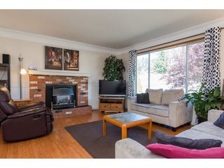Photo 2: 34810 MCCABE Place in Abbotsford: Abbotsford East House for sale : MLS®# R2210615
