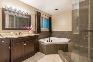 Photo 4: 2605 SANDSTONE Court in Coquitlam: Westwood Plateau House for sale : MLS®# R2234370