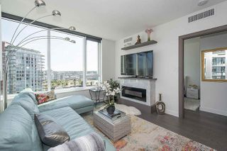 """Photo 7: 1908 68 SMITHE Street in Vancouver: Downtown VW Condo for sale in """"1 PACIFIC"""" (Vancouver West)  : MLS®# R2244187"""