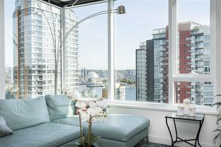 """Photo 5: 1908 68 SMITHE Street in Vancouver: Downtown VW Condo for sale in """"1 PACIFIC"""" (Vancouver West)  : MLS®# R2244187"""