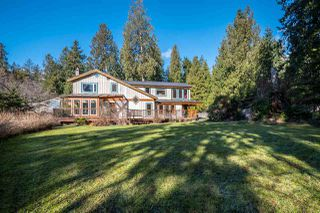 Main Photo: 3592 BEACH Avenue: Roberts Creek House for sale (Sunshine Coast)  : MLS®# R2244747