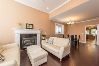 Photo 3: 7913 NURSERY Street in Burnaby: Burnaby Lake House 1/2 Duplex for sale (Burnaby South)  : MLS®# R2261704