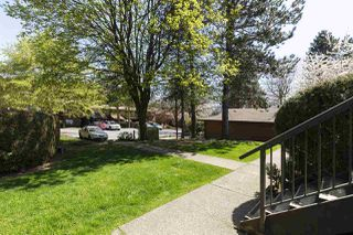 """Photo 3: 1014 10620 150 Street in Surrey: Guildford Townhouse for sale in """"Lincolns Gate"""" (North Surrey)  : MLS®# R2263091"""