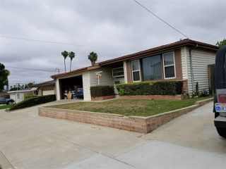 Photo 3: CLAIREMONT House for sale : 3 bedrooms : 3971 Anastasia St in San Diego