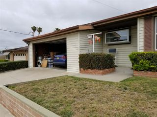 Photo 2: CLAIREMONT House for sale : 3 bedrooms : 3971 Anastasia St in San Diego