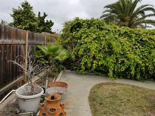 Photo 11: CLAIREMONT House for sale : 3 bedrooms : 3971 Anastasia St in San Diego