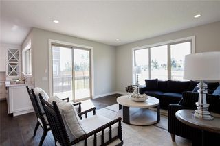 Photo 28: 347 Shawnee Boulevard SW in Calgary: Shawnee Slopes Detached for sale : MLS®# C4198689