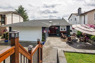 Photo 3: 201 WARRICK Street in Coquitlam: Cape Horn House for sale : MLS®# R2308121
