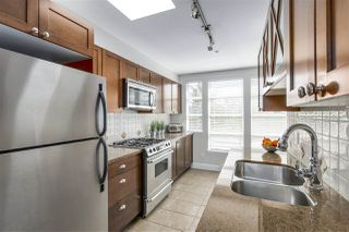 """Photo 2: 401 3637 W 17TH Avenue in Vancouver: Dunbar Townhouse for sale in """"HIGHBURY HOUSE"""" (Vancouver West)  : MLS®# R2311550"""
