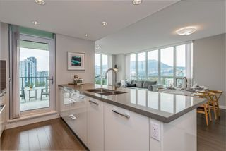 Photo 1: 2508 3093 WINDSOR Gate in Coquitlam: New Horizons Condo for sale : MLS®# R2318512