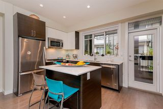 """Photo 9: 107 2135 HERITAGE PARK Lane in North Vancouver: Seymour NV Townhouse for sale in """"LODEN GREEN"""" : MLS®# R2319189"""