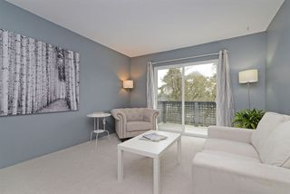 Photo 2: 167 200 WESTHILL Place in Port Moody: College Park PM Condo for sale : MLS®# R2346422