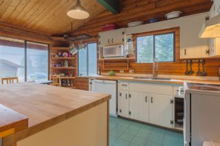 """Photo 2: 7934 SOUTHWOOD Road in Halfmoon Bay: Halfmn Bay Secret Cv Redroofs House for sale in """"Welcome Woods"""" (Sunshine Coast)  : MLS®# R2349359"""