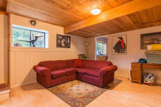 """Photo 9: 7934 SOUTHWOOD Road in Halfmoon Bay: Halfmn Bay Secret Cv Redroofs House for sale in """"Welcome Woods"""" (Sunshine Coast)  : MLS®# R2349359"""