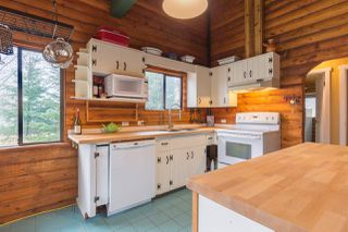 """Photo 3: 7934 SOUTHWOOD Road in Halfmoon Bay: Halfmn Bay Secret Cv Redroofs House for sale in """"Welcome Woods"""" (Sunshine Coast)  : MLS®# R2349359"""