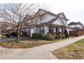 "Photo 2: 5896 148A Street in Surrey: Sullivan Station 1/2 Duplex for sale in ""Miller's Lane"" : MLS®# R2351123"