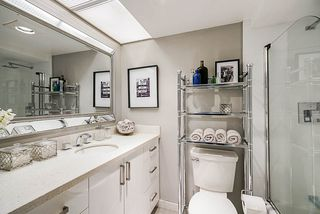 "Photo 18: 202 2480 W 3RD Avenue in Vancouver: Kitsilano Condo for sale in ""Westvale"" (Vancouver West)  : MLS®# R2351895"