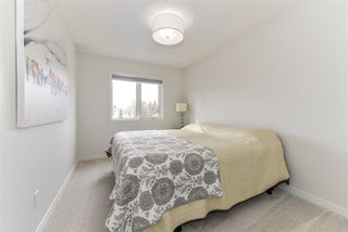Photo 10: 326 WEBER Way in Edmonton: Zone 20 House for sale : MLS®# E4150638