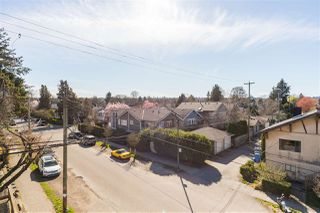 "Photo 16: 302 2008 BAYSWATER Street in Vancouver: Kitsilano Condo for sale in ""BLACK SWAN"" (Vancouver West)  : MLS®# R2367794"