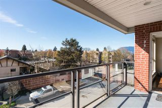 "Photo 13: 302 2008 BAYSWATER Street in Vancouver: Kitsilano Condo for sale in ""BLACK SWAN"" (Vancouver West)  : MLS®# R2367794"