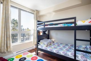 "Photo 11: 302 2008 BAYSWATER Street in Vancouver: Kitsilano Condo for sale in ""BLACK SWAN"" (Vancouver West)  : MLS®# R2367794"