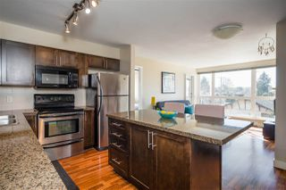 "Photo 2: 302 2008 BAYSWATER Street in Vancouver: Kitsilano Condo for sale in ""BLACK SWAN"" (Vancouver West)  : MLS®# R2367794"