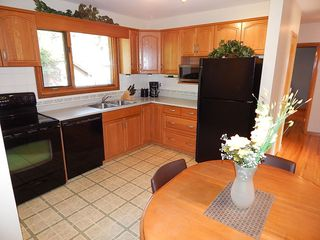 Photo 3: 3 Wakefield Bay in Winnipeg: House for sale : MLS®# 1824195