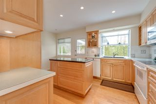 Photo 7: 650 FORESS Drive in Port Moody: Glenayre House for sale : MLS®# R2368530
