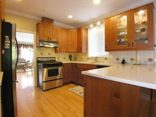 Photo 4: 4621 W. 11 Ave in Vancouver: Point Grey Home for sale ()  : MLS®# V706980