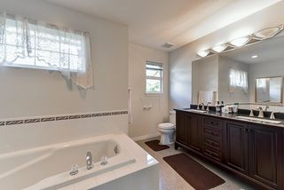Photo 12: 5125 223A Street in Langley: Murrayville House for sale : MLS®# R2381062