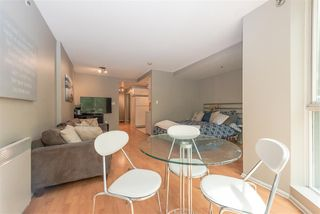 Photo 6: 208 588 BROUGHTON Street in Vancouver: Coal Harbour Condo for sale (Vancouver West)  : MLS®# R2392372