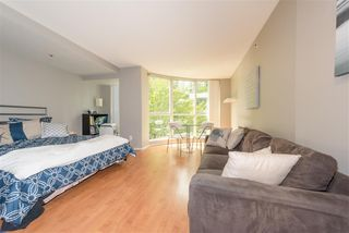 Photo 2: 208 588 BROUGHTON Street in Vancouver: Coal Harbour Condo for sale (Vancouver West)  : MLS®# R2392372