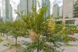 Photo 12: 208 588 BROUGHTON Street in Vancouver: Coal Harbour Condo for sale (Vancouver West)  : MLS®# R2392372
