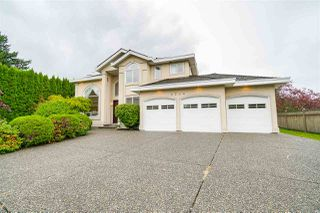 Photo 2: 5746 145A Street in Surrey: Sullivan Station House for sale : MLS®# R2465036