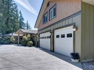 Photo 3: 5601 NICKERSON Road in Sechelt: Sechelt District House for sale (Sunshine Coast)  : MLS®# R2480858