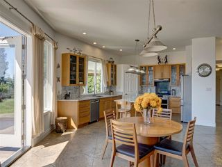 Photo 11: 5601 NICKERSON Road in Sechelt: Sechelt District House for sale (Sunshine Coast)  : MLS®# R2480858